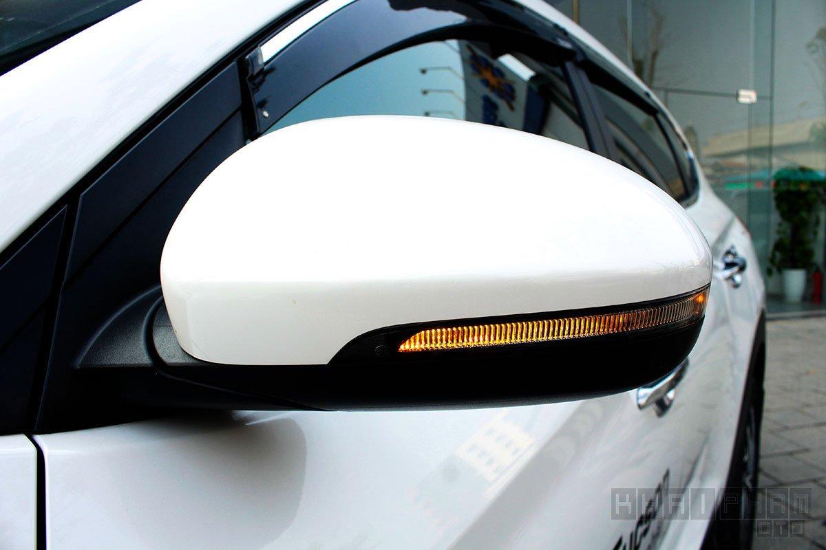 Ảnh chụp gương xe Hyundai Tucson 2020