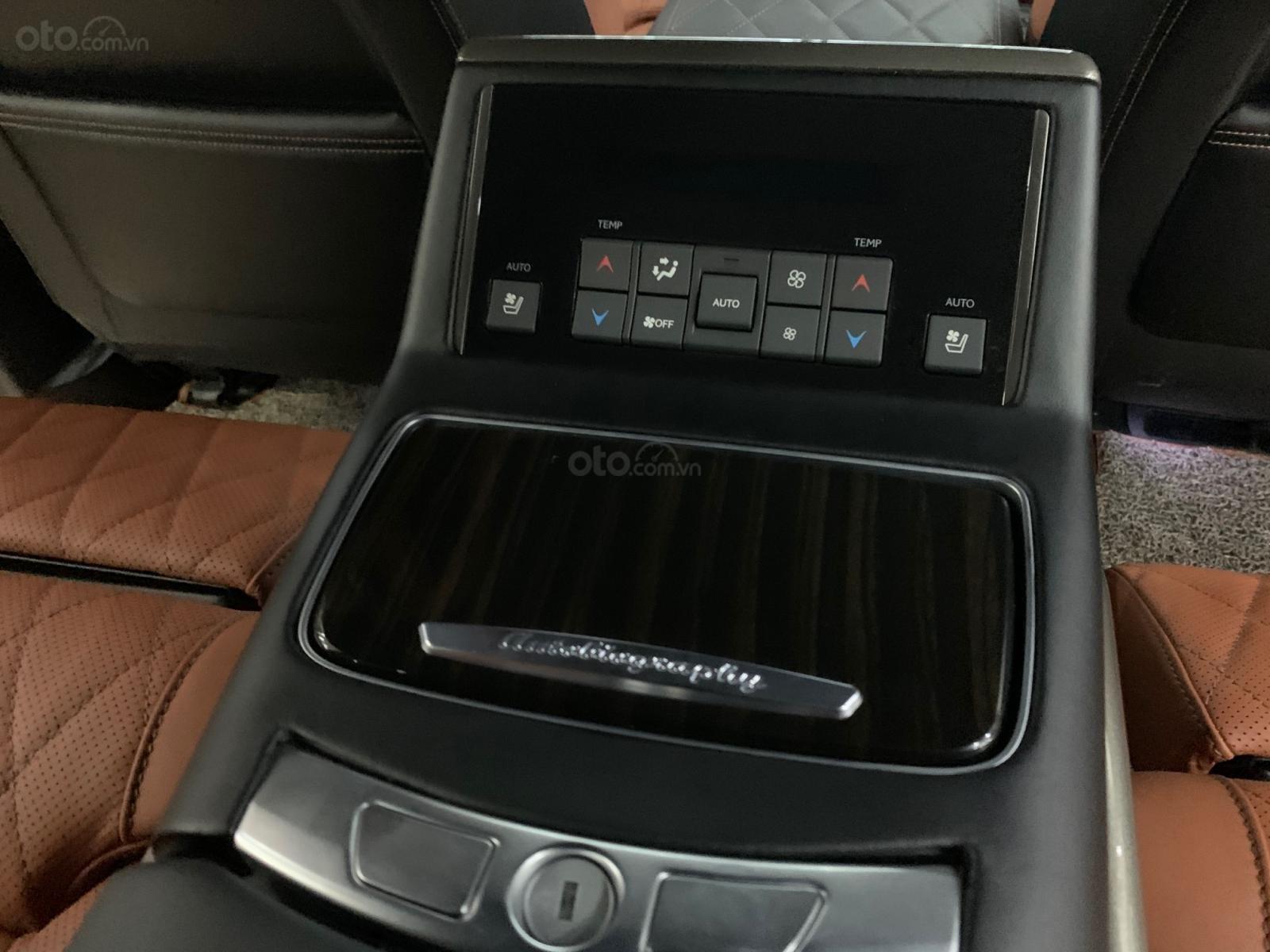 Bán xe Toyota Land Cruiser VXS 5.7 đời 2020, phiên bản 4 chỗ MBS cao cấp duy nhất Việt Nam (13)