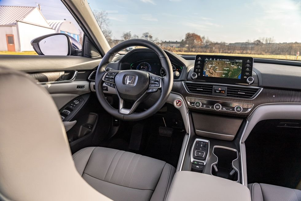 So sánh Honda Accord 2019 và Toyota Camry 2019 Hybrid - Trang bị Accord