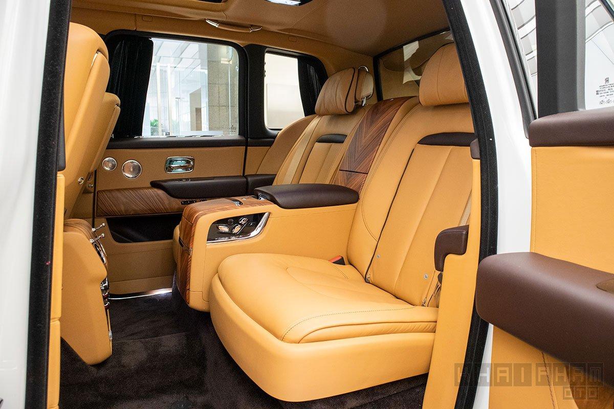 Ghế sau xe Rolls-Royce Cullinan