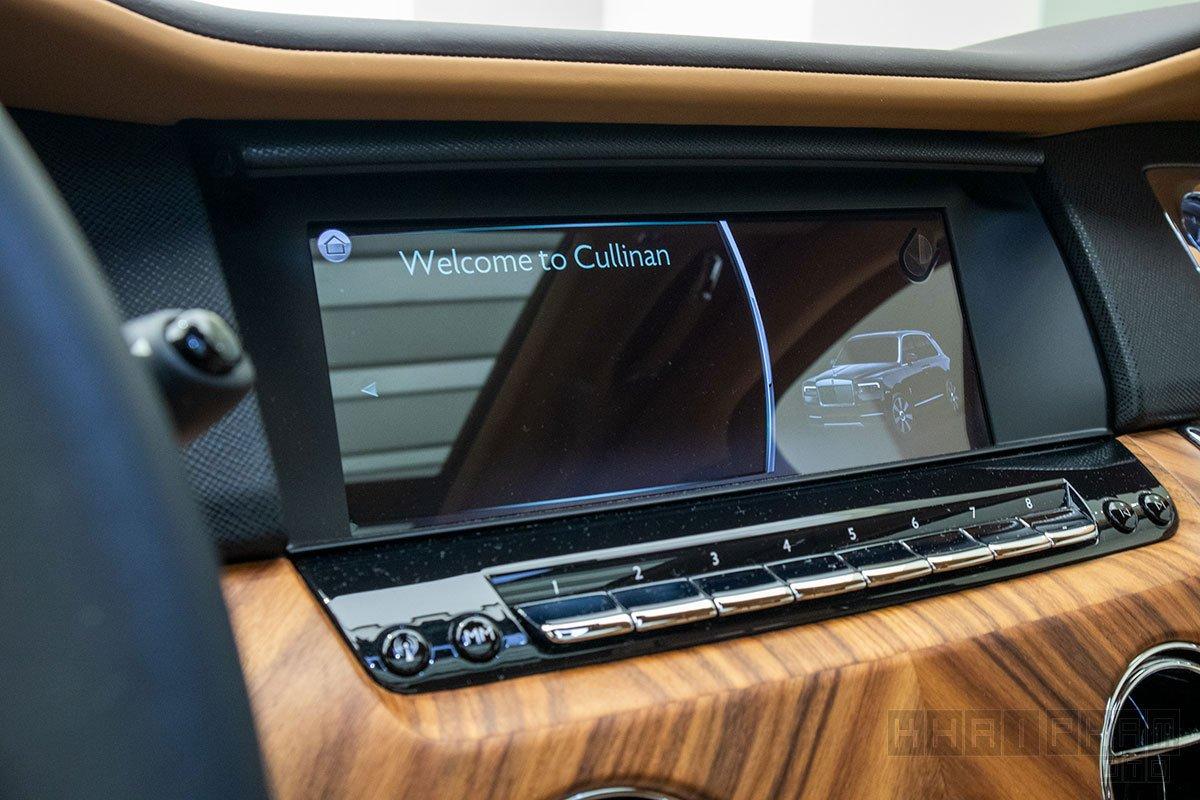 Màn hình xe Rolls-Royce Cullinan
