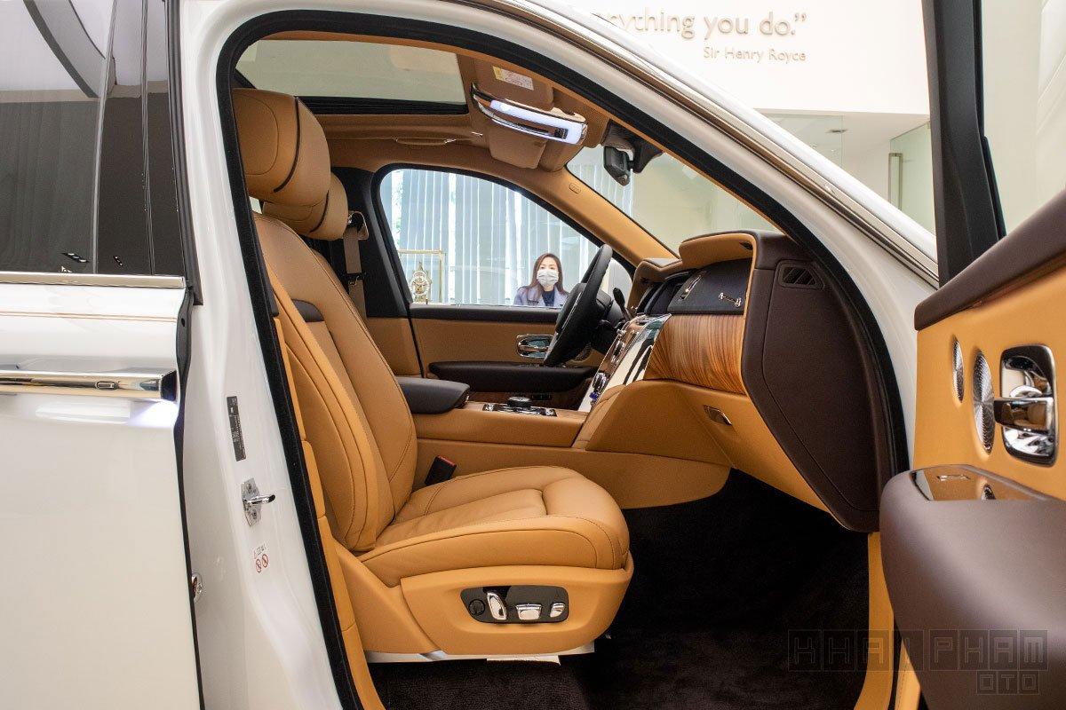Ghế phụ xe Rolls-Royce Cullinan