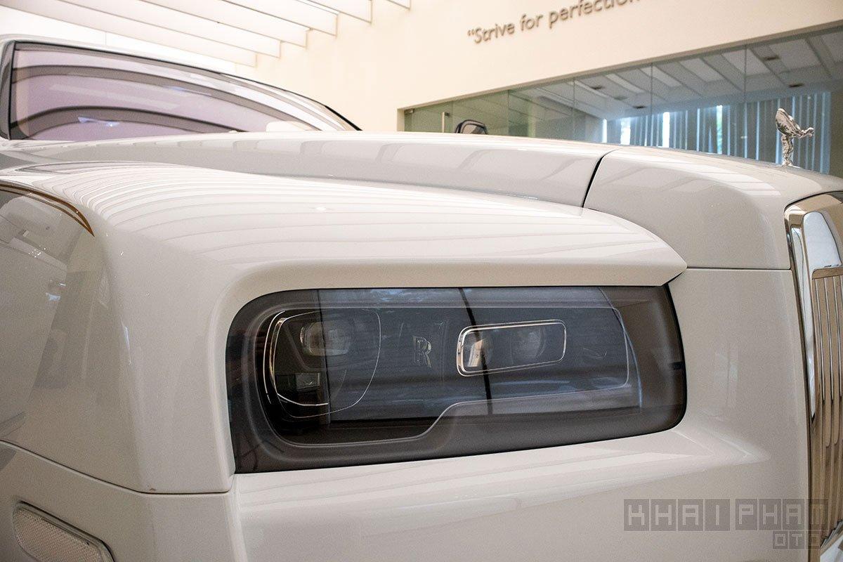 Đèn pha dạng LED Rolls-Royce Cullinan