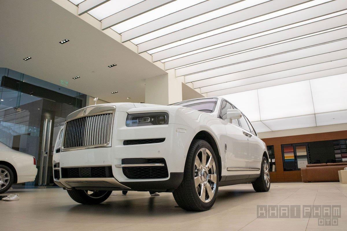 Ảnh chụp đầu xe Rolls-Royce Cullinan