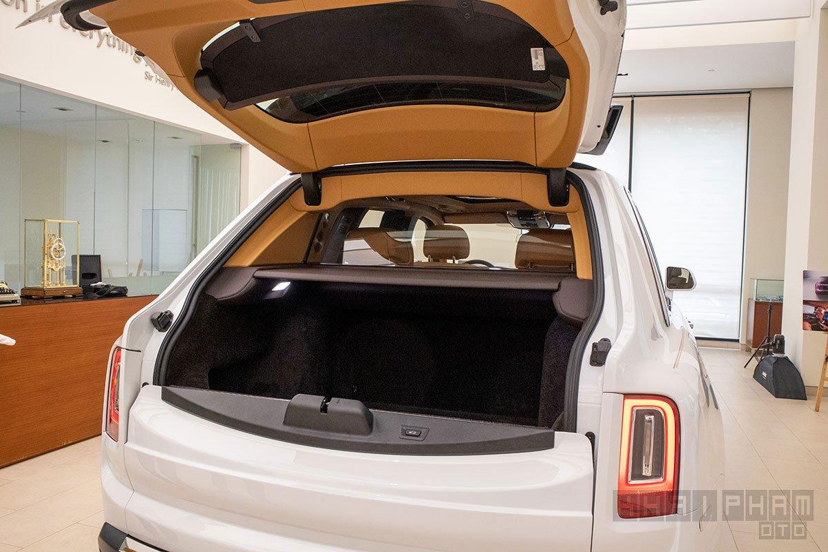 Cốp sau xe Rolls-Royce Cullinan