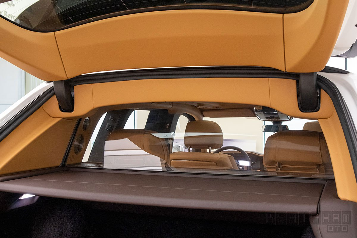 Kính ngăn xe Rolls-Royce Cullinan