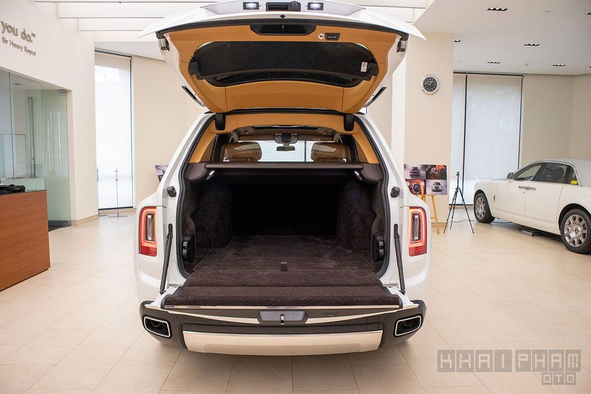 Cốp xe Rolls-Royce Cullinan