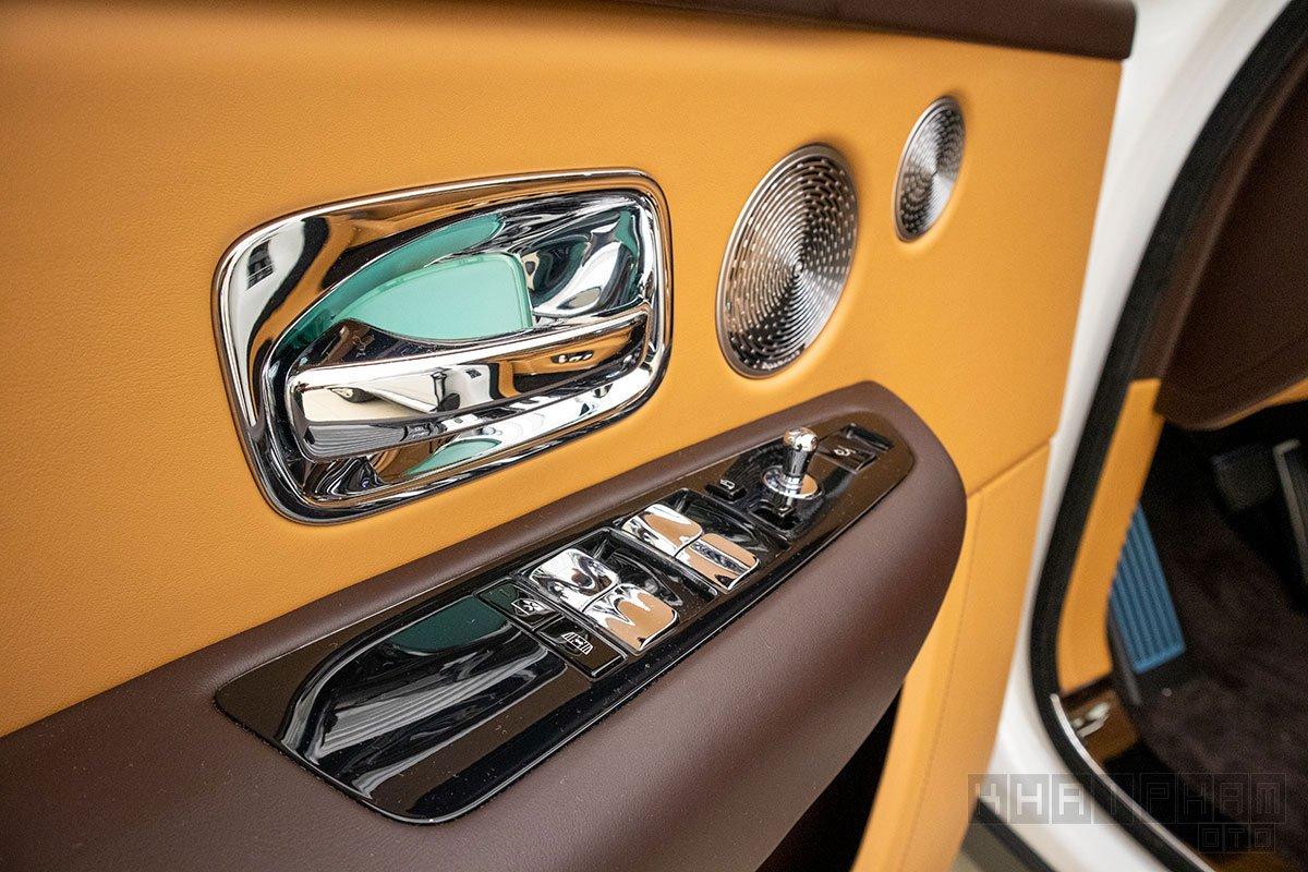 Cửa xe Rolls-Royce Cullinan