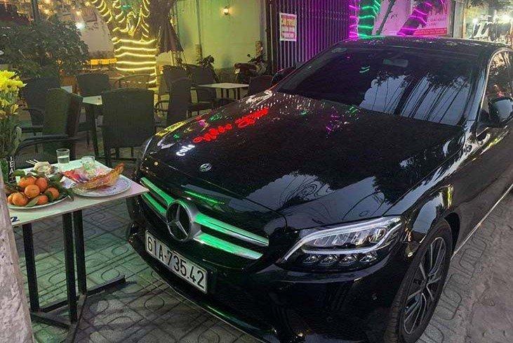 """""""Soi"""" chiếc Mercedes-Benz C200 mới cứng của tiền đạo U22 Tiến Linh a2"""
