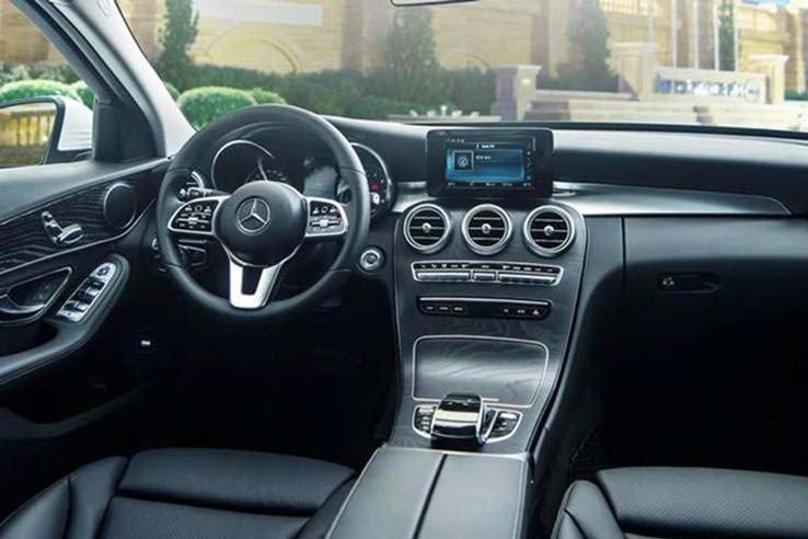 """""""Soi"""" chiếc Mercedes-Benz C200 mới cứng của tiền đạo U22 Tiến Linh a5"""