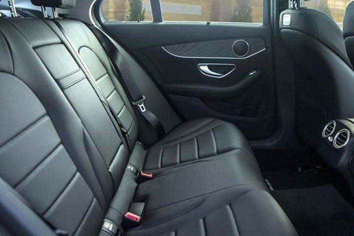 """""""Soi"""" chiếc Mercedes-Benz C200 mới cứng của tiền đạo U22 Tiến Linh a9"""