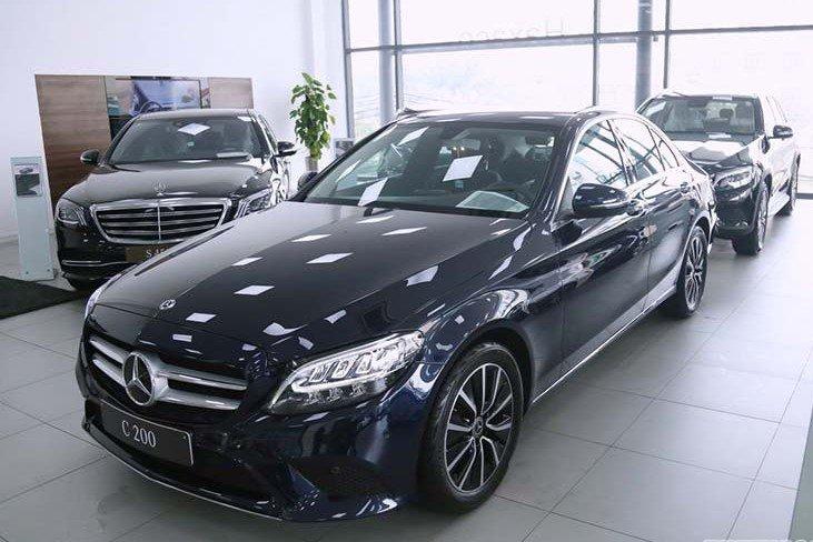 """""""Soi"""" chiếc Mercedes-Benz C200 mới cứng của tiền đạo U22 Tiến Linh a8"""