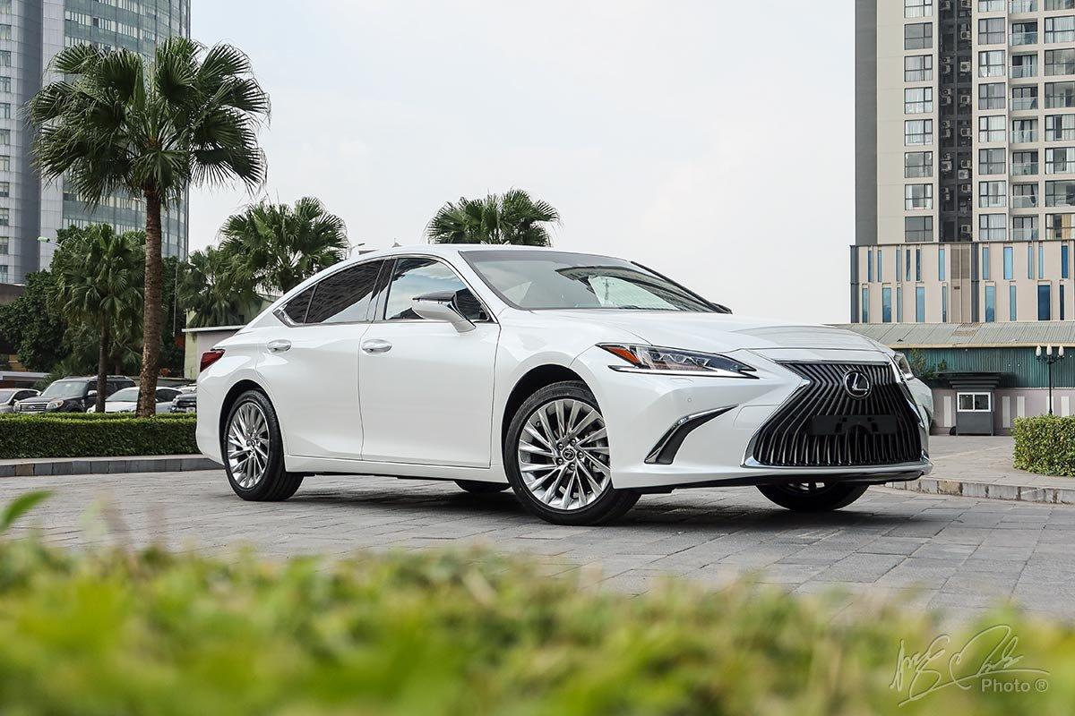 Đánh giá xe Lexus ES 250 2020.