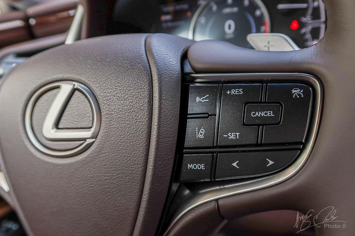 Đánh giá xe Lexus ES 250 2020: Kiểm soát hành trình thích ứng.