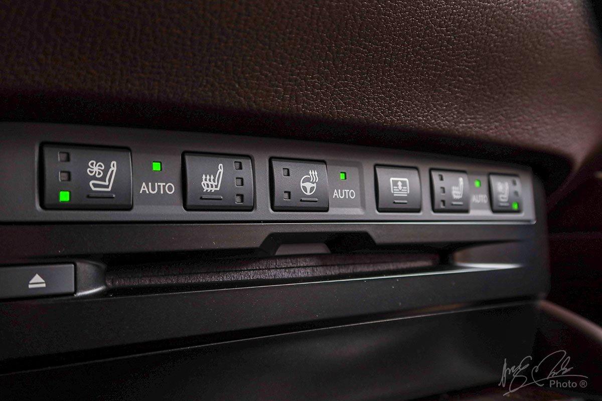 Đánh giá xe Lexus ES 250 2020: Hệ thống sấy và làm mát ghế, sấy vô-lăng.