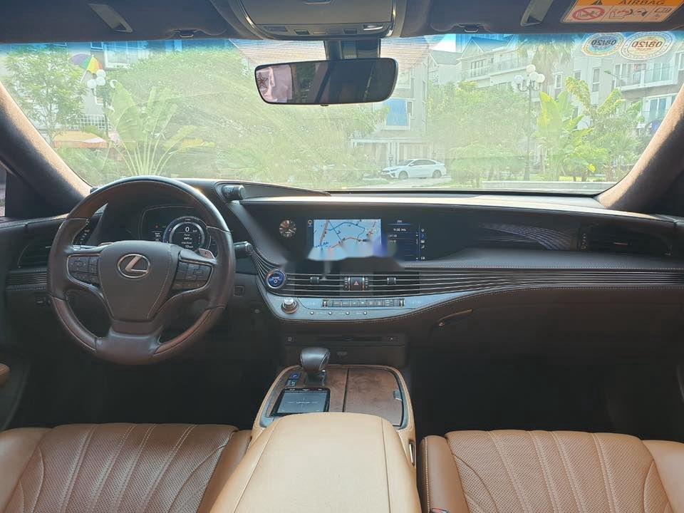 Cần bán gấp Lexus LS 500H sản xuất 2017, màu xanh lam, xe nhập (10)
