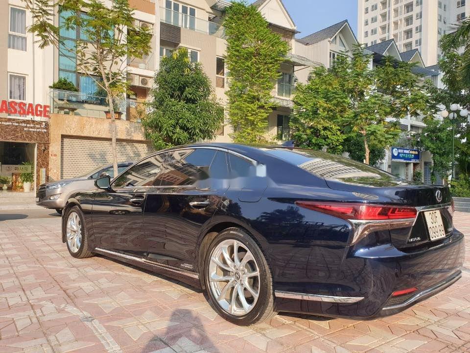 Cần bán gấp Lexus LS 500H sản xuất 2017, màu xanh lam, xe nhập (5)