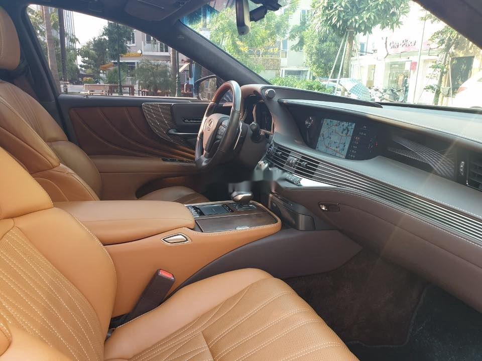 Cần bán gấp Lexus LS 500H sản xuất 2017, màu xanh lam, xe nhập (8)