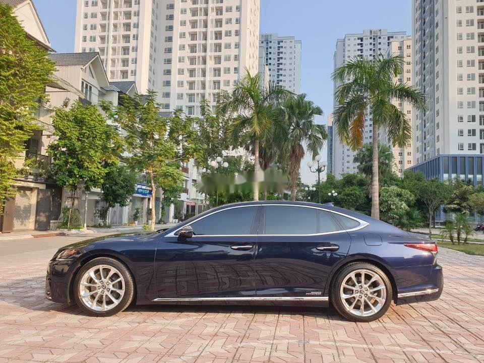 Cần bán gấp Lexus LS 500H sản xuất 2017, màu xanh lam, xe nhập (3)