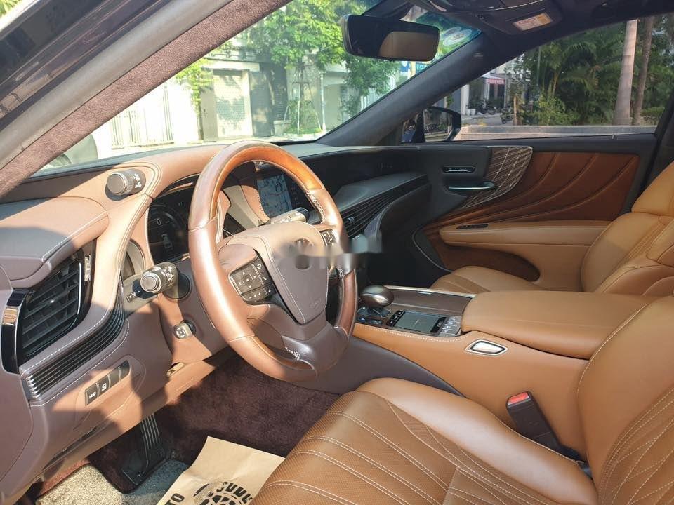 Cần bán gấp Lexus LS 500H sản xuất 2017, màu xanh lam, xe nhập (7)