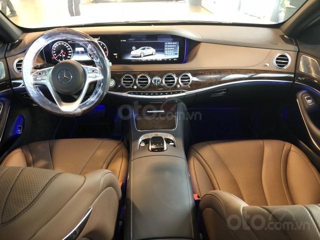 Mercedes S450 mới, giảm ngay 300 triệu (7)