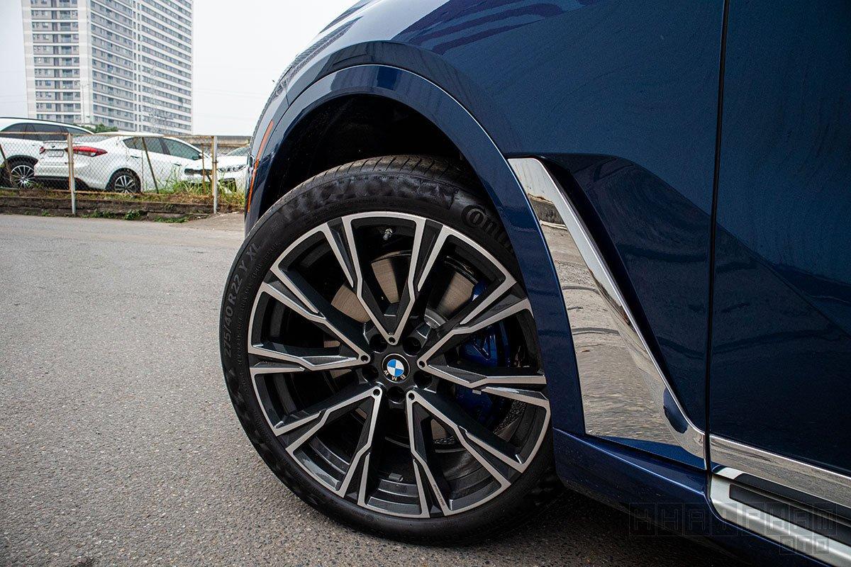Ảnh chụp mâm xe xe BMW X7 2019-2020