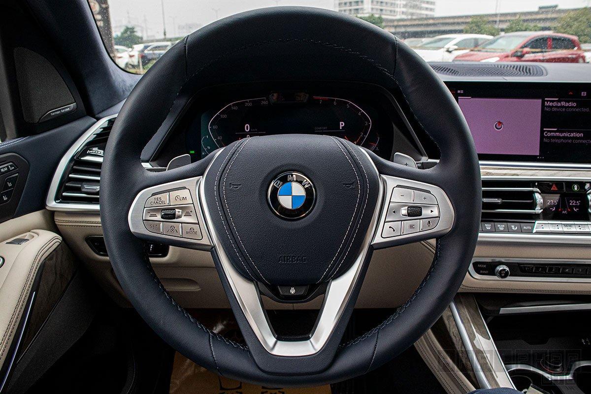 Hình ảnh vô-lăng xe BMW X7 2020