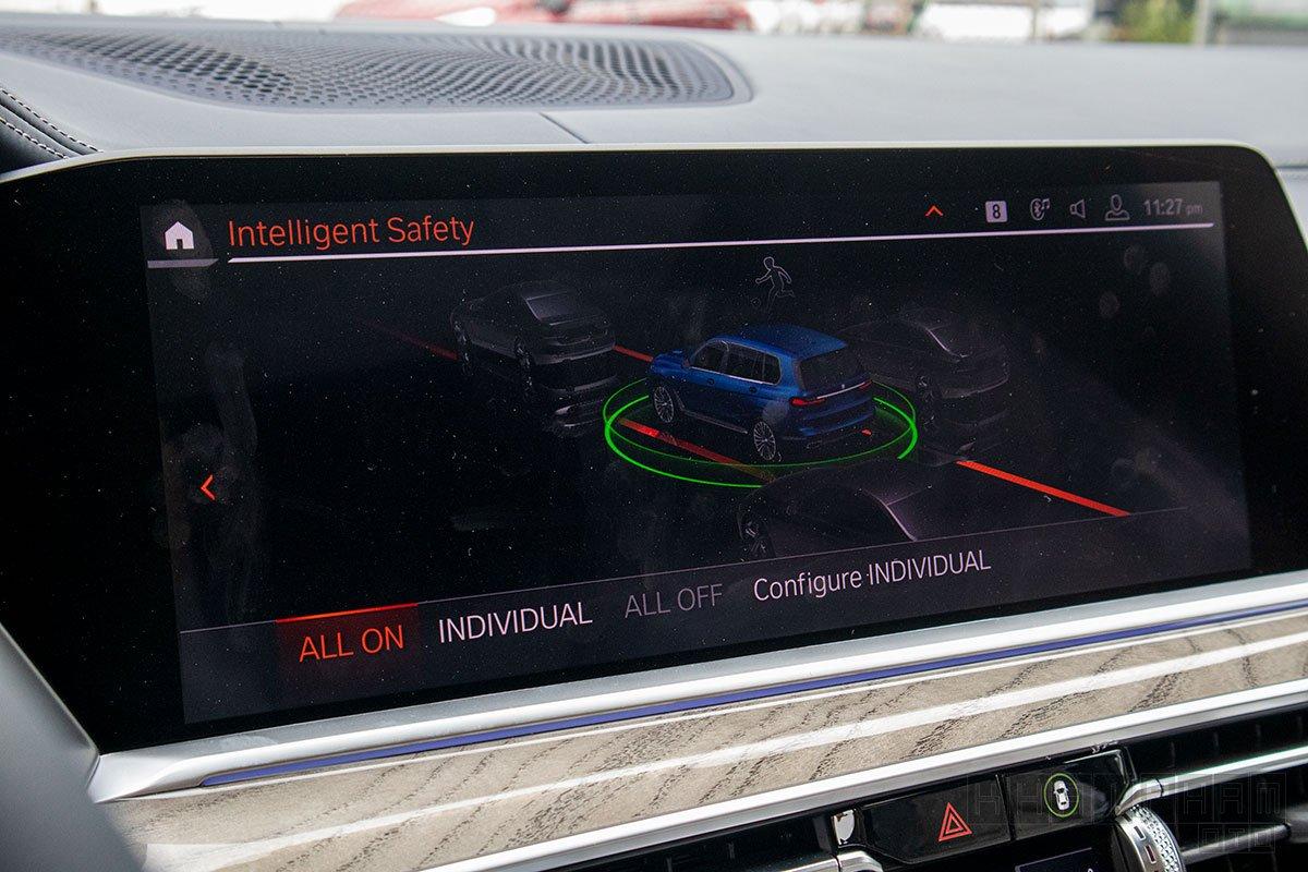 Ảnh chụp màn hình xe BMW X7 2020