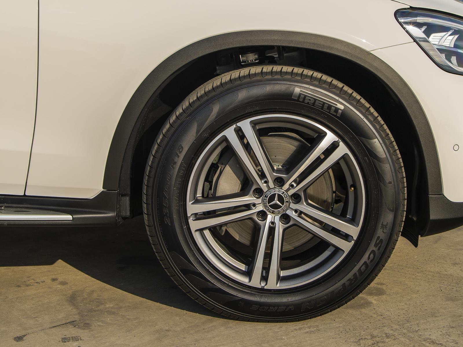 Mercedes-benz GLC 200 và GLC 200 4Matic 2020 chính thức ra mắt, giá từ 1,749 tỷ đồng a6