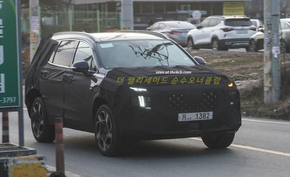 Hyundai Santa Fe facelift lộ thiết kế mới, sắp chốt ngày ra quân
