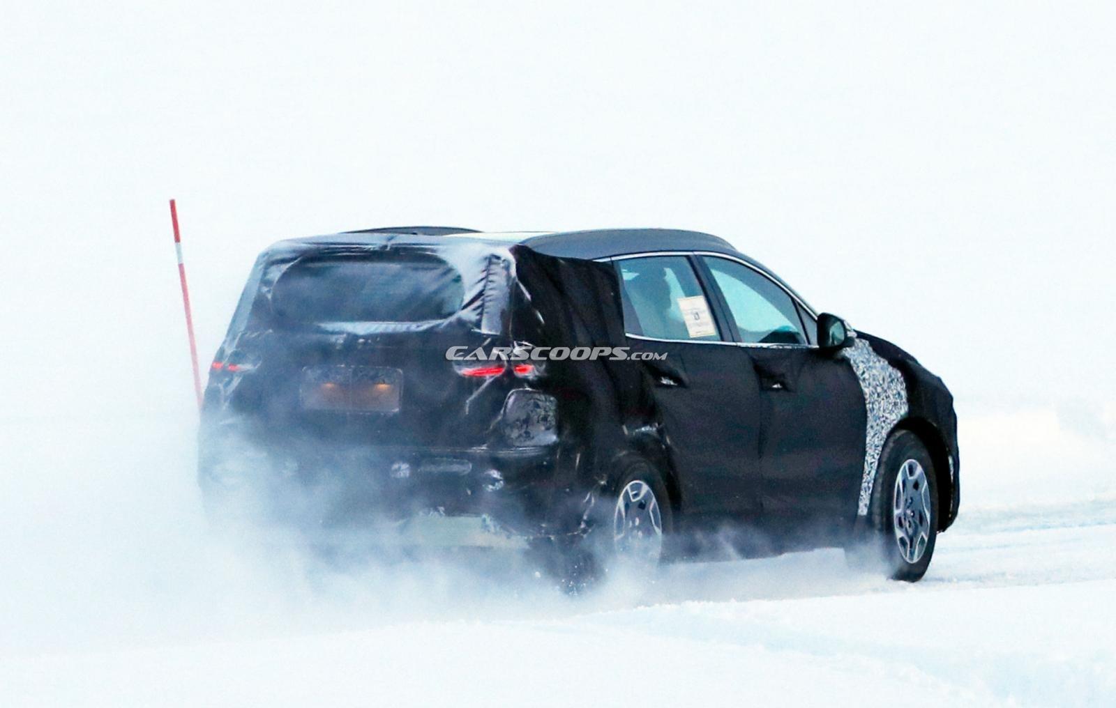 Hyundai Santa Fe facelift thử sức mùa đông