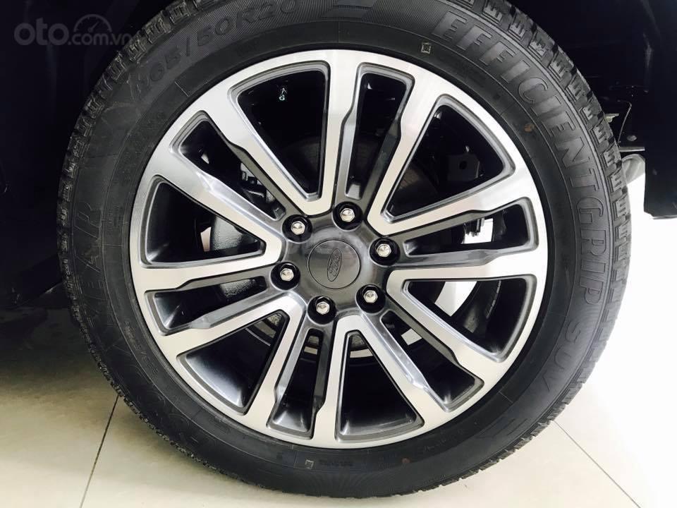 Ford Everest Bi-Turbo phiên bản mới nhất 2020, khuyến mãi giá vốn, chỉ cần trả trước 250tr đồng, LH: 0938707505 Như Như (6)