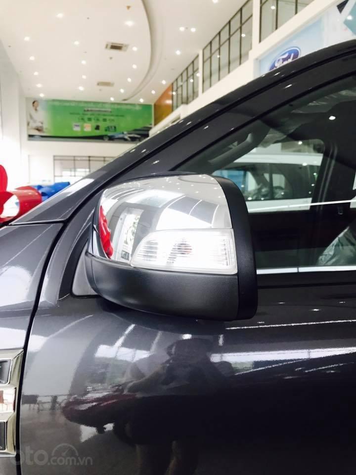 Ford Everest Bi-Turbo phiên bản mới nhất 2020, khuyến mãi giá vốn, chỉ cần trả trước 250tr đồng, LH: 0938707505 Như Như (9)