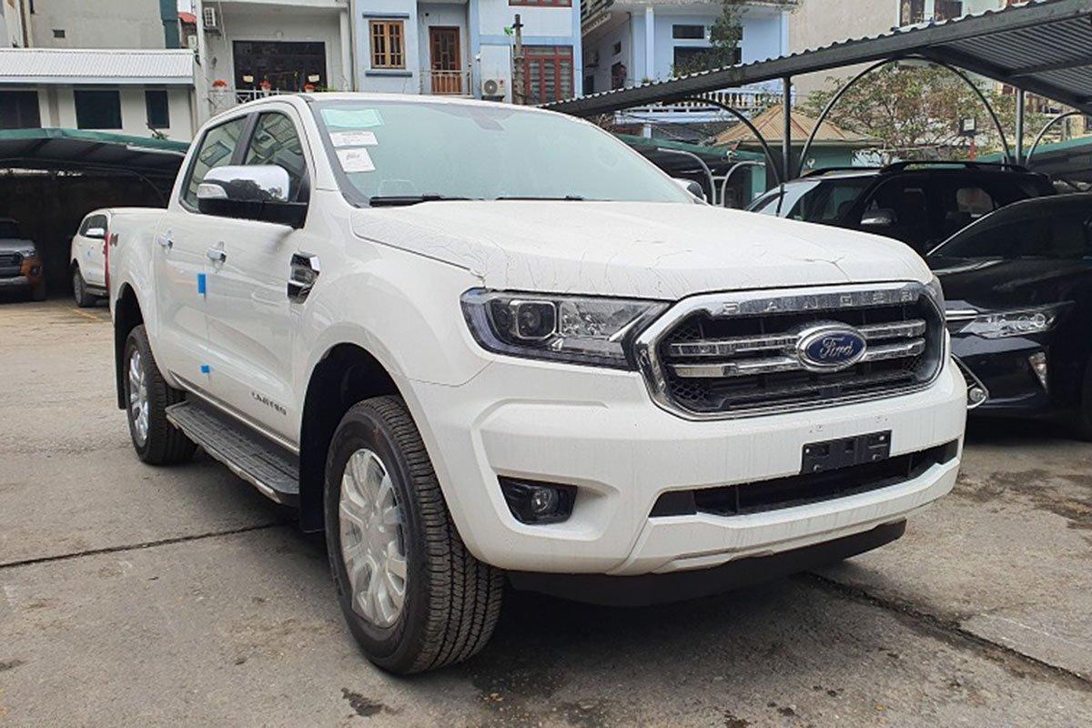 Sự hiện diện của Ford Ranger XLT Limited nâng tổng số phiên bản của mẫu xe này lên còn số 8.