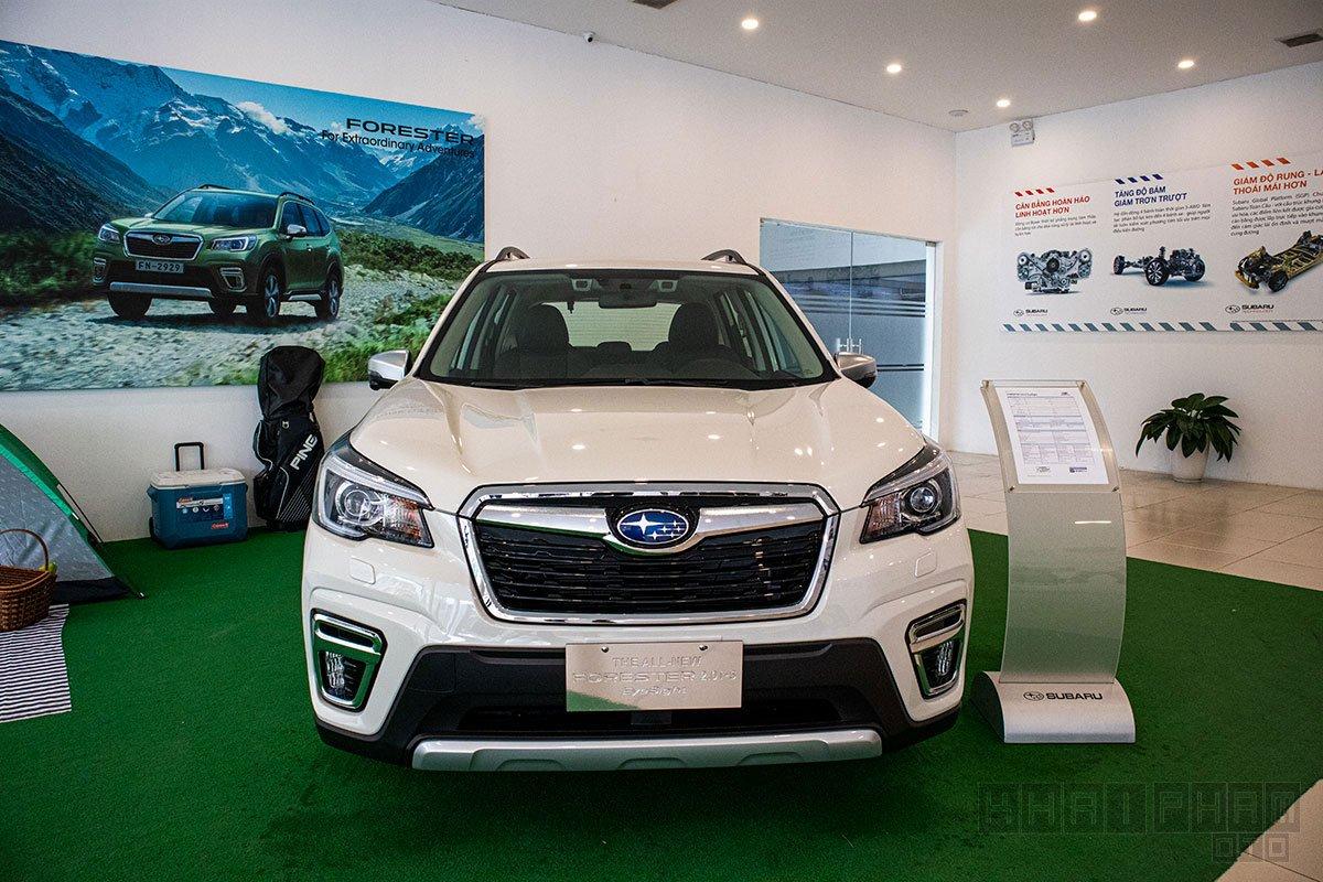 Subaru Forester dù không thay đổi nhiều so với thế hệ cũ nhưng ngoại hình vẫn được chăm chút bằng các chi tiết thiết kế hợp thời trang.