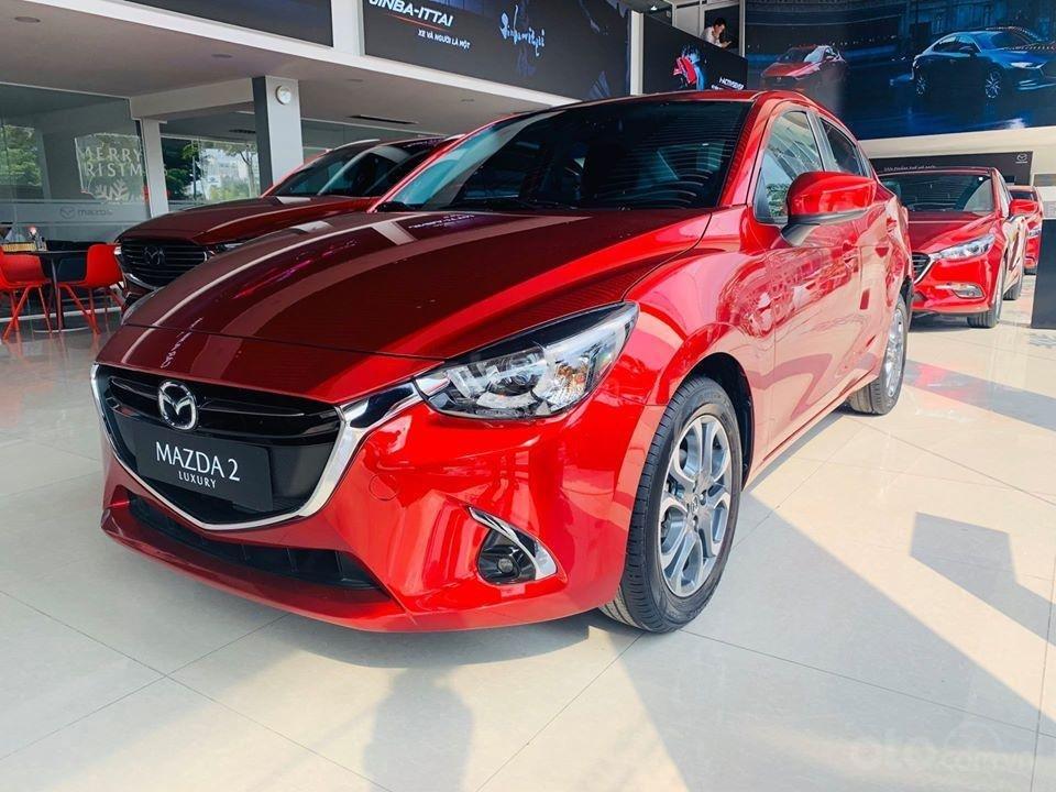 Mazda 2 màu đỏ 1