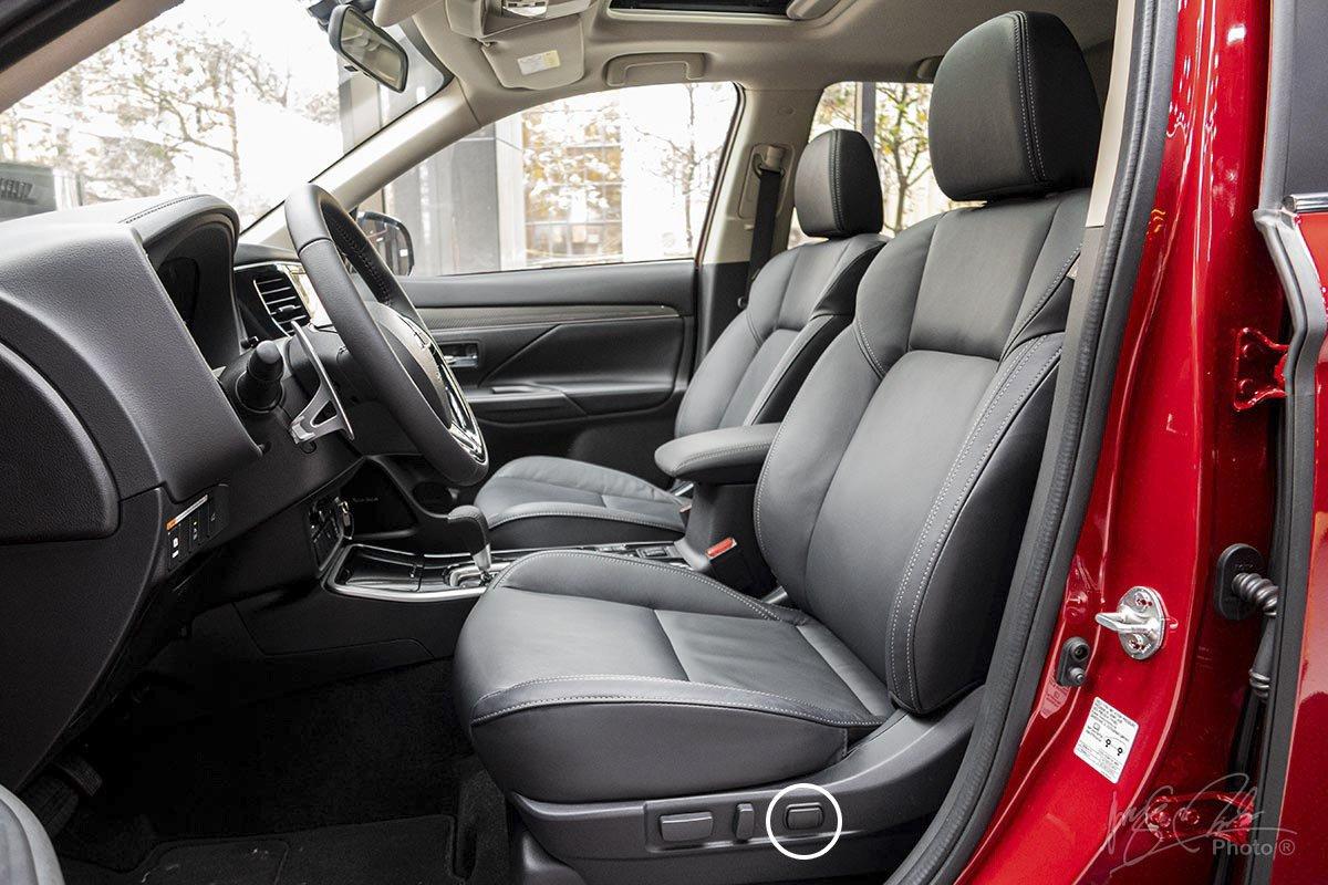 Ghế lái chỉnh điện 10 hướng trên Mitsubishi Outlander 2020.