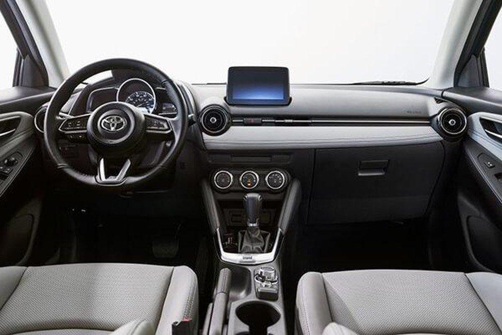 Nội thất xe Toyota Yaris 2020