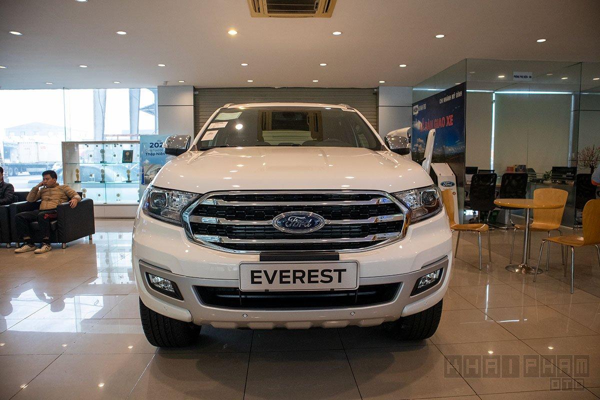 Ảnh chi tiết xe Ford Everest 2020 nâng cấp mới ra mắt, quyết đấu Toyota Fortuner tại Việt Nam a2
