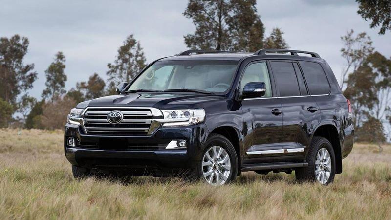 Toyota Land Cruiser thiết kế hầm hố và khả năng off-road đáng ngưỡng mộ.