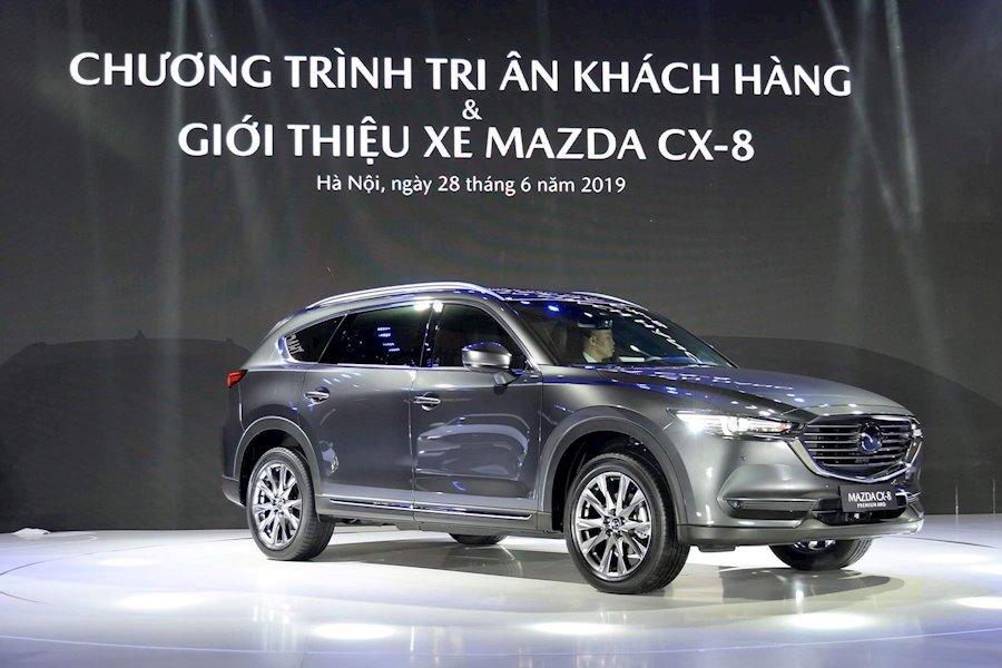 Mazda CX-8 sở hữu đường nét thiết kế vượt trội so với các đối thủ.