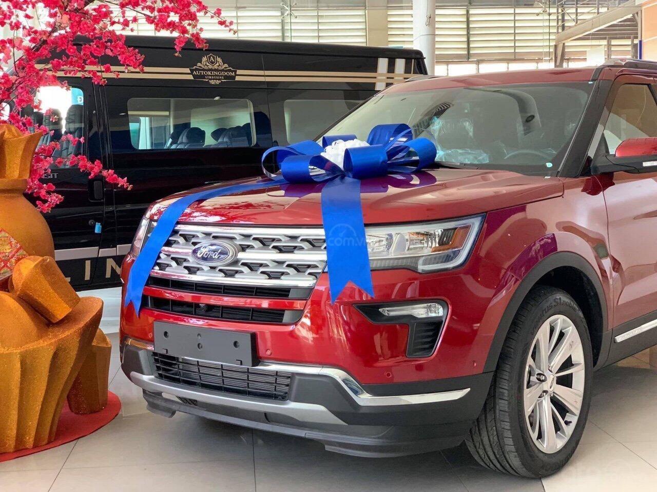 """Đại lý giảm 300 triệu cho khách """"giải cứu"""" Ford Explorer 1"""