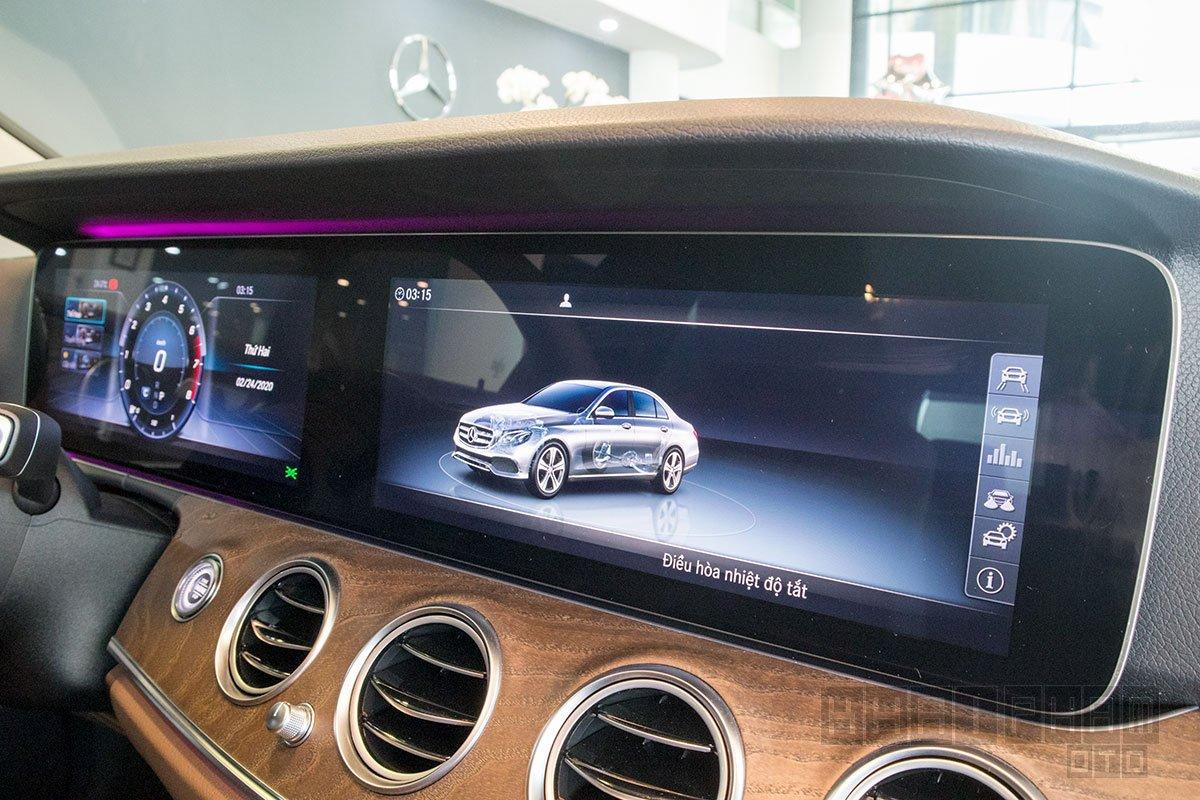 Ảnh chụp màn hình xe Mercedes-Benz E 200 Exclusive 2020