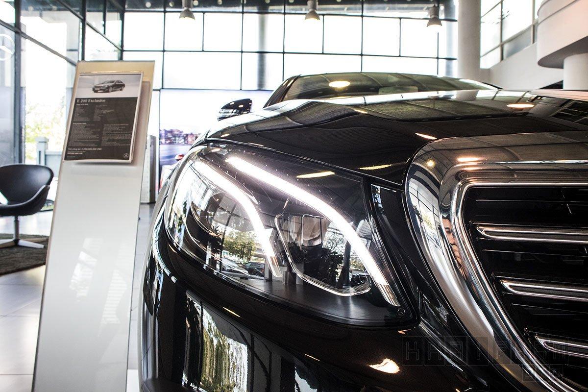 Ảnh chụp đèn xe Mercedes-Benz E 200 Exclusive 2020