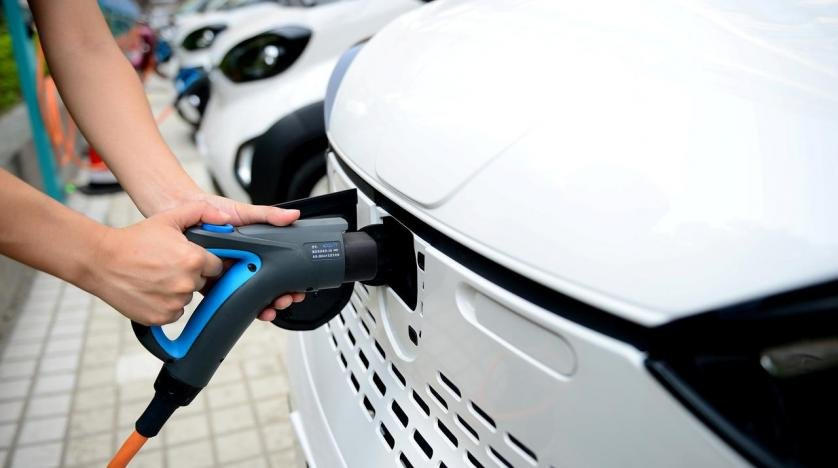 Xu hướng ô tô 2020 theo đuổi công nghệ xe sạch và ô tô thông minh.