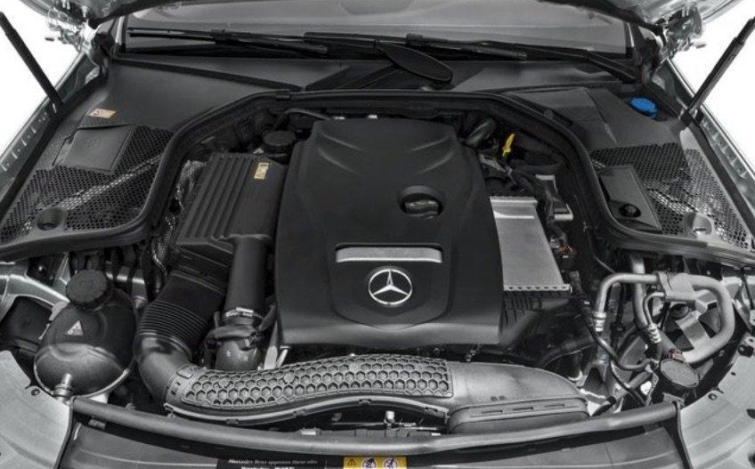 Động cơ xe Mercedes-Benz C250