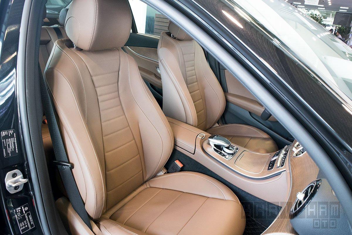 Ảnh chụp Ghế trước xe Mercedes-Benz E 200 Exclusive 2020