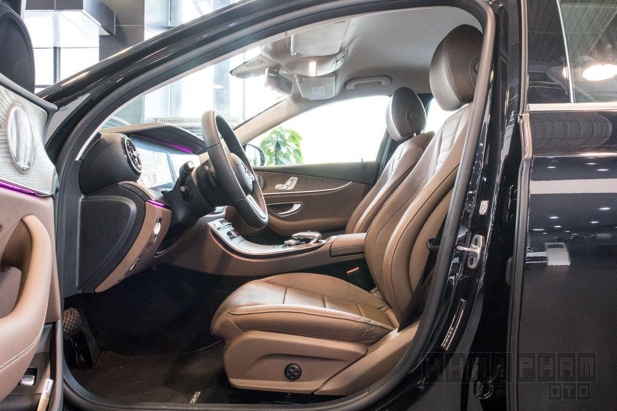 Ảnh chụp Ghế ngồi xe Mercedes-Benz E 200 Exclusive 2020