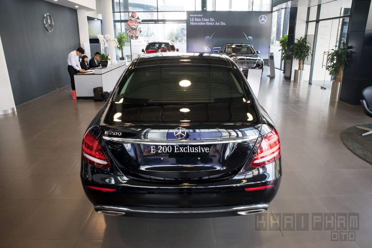 Ảnh chụp Đuôi xe Mercedes-Benz E 200 Exclusive 2020