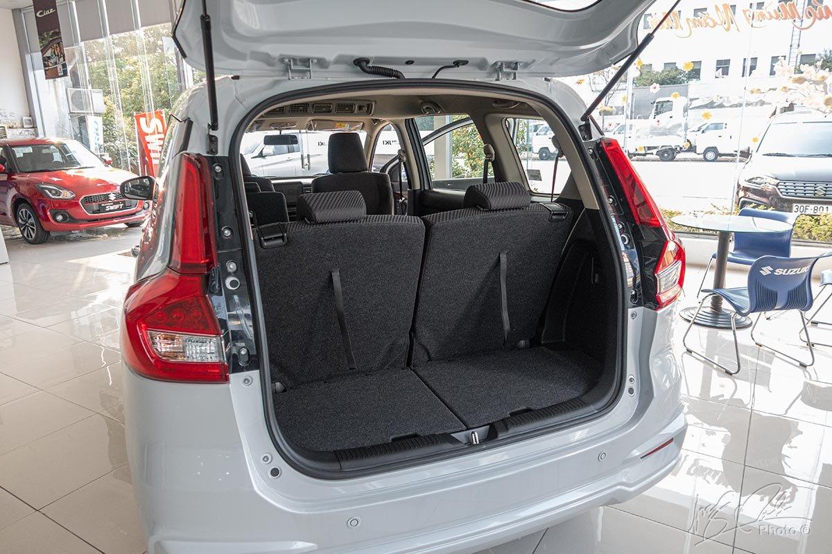 Khoang hành lý rộng rãi của Suzuki Ertiga 2020 1